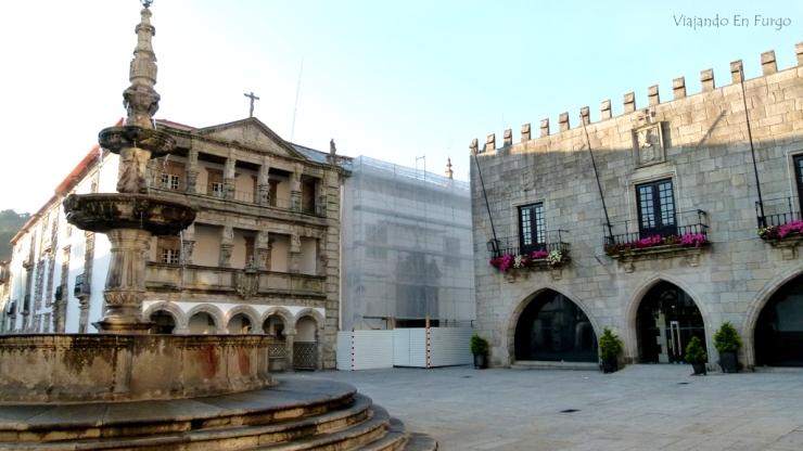VIAJANDO EN FURGO.Plaza Da Republica - Viana do Castelo